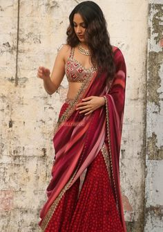 Dress Indian Style, Indian Fashion Dresses, Indian Designer Outfits, Indian Wear, Saree Fashion, Lehenga Designs, Saree Blouse Designs, Dress Designs, Indian Bridal Outfits
