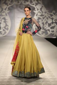 VarunBahl #lehenga #choli #indian #hp #shaadi #bridal #fashion #style #desi #designer #blouse #wedding #gorgeous #beautiful
