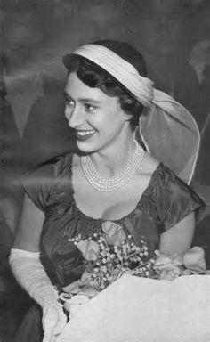 The Princess Margaret Glove Gallery, Part 21 Princesa Margaret, Hm The Queen, Save The Queen, Queen's Sister, Queen Victoria Family, Margaret Rose, Duchess Of York, Isabel Ii, Royals