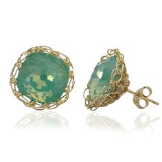 A delicate pair of ocean green stud earrings, a 0.5 (12mm) round square Swarovski crystal, crocheted around with gold filled wire. The earrings are BOLD, they are not flat at the back , they are 3D and sticking out so also the sides of the rounded cabochon are visible. Ocean green is very fashionable this [...]