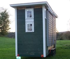 At first glance it's like every other tiny home that you see on a trailer. Then you realize it's designed to fold out and expand into a full 420 square feet by the owner, designer and b…