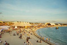 美しいロケーションの沖縄・美ら SUN ビーチで音楽とコロナを楽しめた「CORONA SUNSETS FESTIVAL(コロナサンセットフェスティバル)」