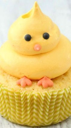 Easter Chick Cupcakes Recipes, These Adorable Little Guys Will Be A Hit! #cakedecorating