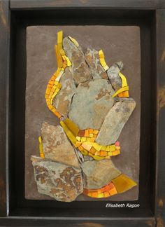 Lorenzo Massobrio - Elisabeth Ragon: Galleria - Elisabeth. Abstract mosaic. Stone and yellow tiles...beautiful!