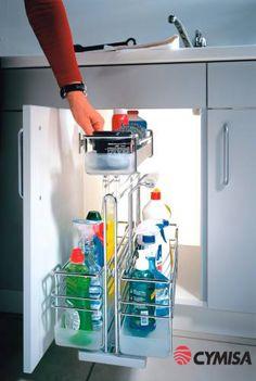 Guarde sus productos de limpieza para cocina de modo fácil y ordenado.