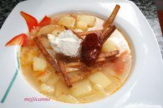 Sopa de patata acompañada de chile chipotle y tortillas fritas Ingredientes: 1 Tomate picado. 1/2 Cebolla picada. 1 diente de ajo . 1 Pata...