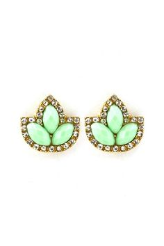 Mint earrings that would look great on any bride. Mint is one of this years hottest colours for weddings, embrace it in you wedding ensemble and it will look different and special, jsut what any bride wants