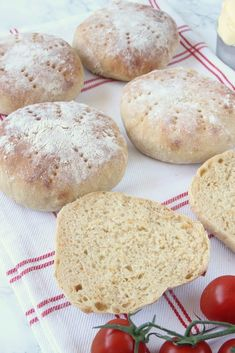 Tekakor recept - Lindas Bakskola & Matskola Hamburger, Breakfast Recipes, Muffins, Good Food, Brunch, Baking, God, Muffin, Bakken