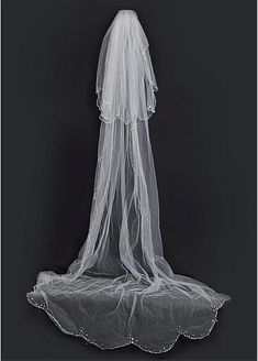 Beautiful Tulle Two-tier Ivory Veil Matching Your Elegant Wedding Dress  Fabric: Tulle Veil Tier: Two-tier Veil Length: about 210cm Veil Shape: Classic Embellishment: Beading & Sequins How to Wear:Veils Only,need to buy a comb or some pins Veils: chapel $25.90 (including shipping) #veil