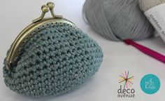 [Tuto] Porte monnaie au crochet – Aiguilles et Papilles Filet Crochet, Crochet Diy, Crochet Bags, Diy Projects To Try, Purses And Bags, Coin Purse, Wallet, Knitting, Accessories