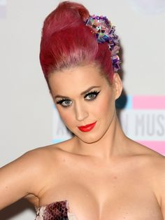 Katy Perry Rocks A Rooty 'Do At The American Music Awards
