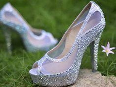 Zapatos con brillo y apliques para novia
