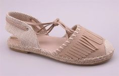 <3 #flats #shoes #footwear #fringe #gypsyoutfitter Bohemian Shoes, Ankle Strap Flats, Espadrilles, Baby Shoes, Footwear, Sandals, Heaven, Clothes, Fashion
