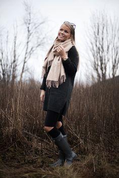Åshild Ringhus - Antrekk: strikk og støvler