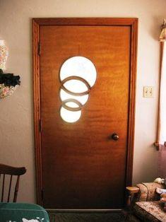 Amazing front door.  50's style?!