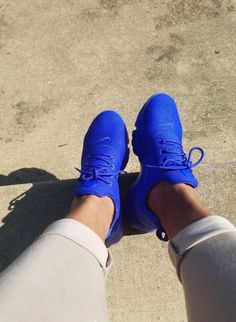 Image uploaded by 𝗡𝘆𝗸𝗲𝗲💕. Find images and videos about blue, shoes and nike on We Heart It - the app to get lost in what you love. Cute Sneakers, Cute Shoes, Me Too Shoes, Shoes Sneakers, Shoes Heels, Chunky Sneakers, Yeezy Shoes, Black Sneakers, Casual Sneakers
