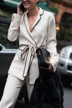 Street Style Archive Women's & Men's Street Style at Coggles // Pyjama inspired suit at London Fashion Week London Fashion Weeks, Work Fashion, Trendy Fashion, Fashion Outfits, Womens Fashion, Street Fashion, Trendy Clothing, Fashion Styles, Fashion Fashion