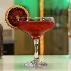 Martini Flavors, Cointreau Cocktails, Vodka Mixed Drinks, Blood Orange Juice, Tipsy Bartender, Recipe Mix, Cranberry Juice, Orange Slices, Cocktail Recipes