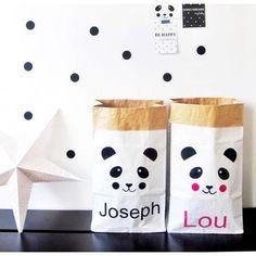 Paperbag, sac en kraft motif panda, personnalisable avec un prénom. Nombreux modèles et coloris au choix. A partir de 15€.