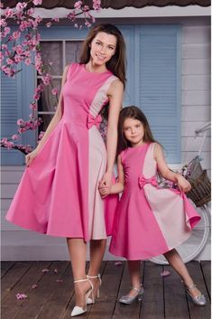 Mom Daughter Matching Dresses, Mom And Baby Dresses, Baby Girl Dress Patterns, Stylish Dresses For Girls, Frocks For Girls, Mom Dress, Little Girl Dresses, Girls Dresses, Dresses Dresses