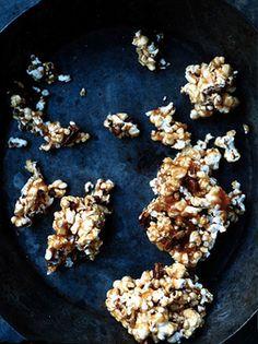 caramel corn with seeds