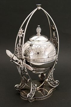 Fine Victorian Silver Plated Revolving Dome Covered Butter Dish