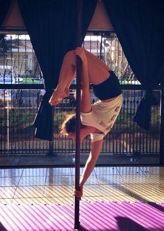 Tags mais populares para esta imagem incluem: dance, fitness, poledance, fit e polefitness