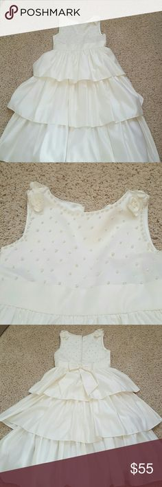 Holiday dress girls size 10 brand is cinderella ivory with pearl