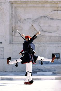 Guards in front of Greece Parliament Athens City, Athens Greece, Zorba The Greek, Greek Soldier, Empire Ottoman, Republic Of Macedonia, Greek Warrior, Unknown Soldier, Greek Culture