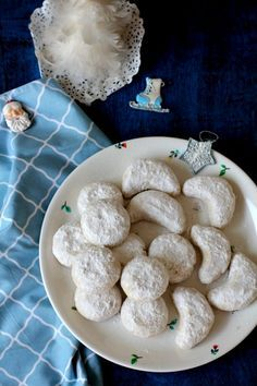 Kourabiedes recipe, traditional, festive, shortbread textured greek butter cookies with almond goodness. SO good!