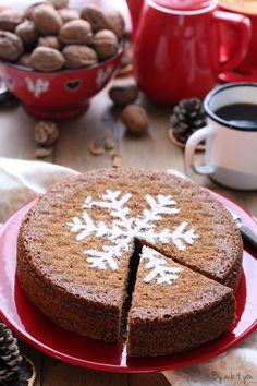 Ce gâteau aux noix est l'accompagnement idéal d'une bonne tasse de café ou de thé. Il est si moelleux qu'il peut être dégusté aussi bien en dessert qu'au goûter. C'est monsieur qui m'a rapporté la recette il y a quelques semaines. Recette qu'une amie lui avait donnée (merci Sophie!). C'est… French Desserts, No Bake Desserts, Flan Dessert, Cake Factory, Rustic Cake, Afternoon Snacks, Christmas Baking, Cake Cookies, Dessert
