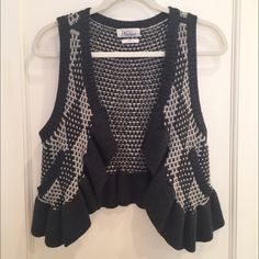 Madewell Navy & Gray Knit Vest Navy & blue knit vest from Madewell. Size XS. Barely worn and in great condition. Madewell Jackets & Coats Vests