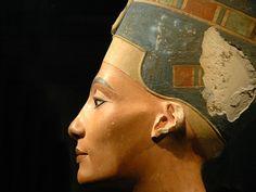 Nefertiti, la Dea dell'Egitto
