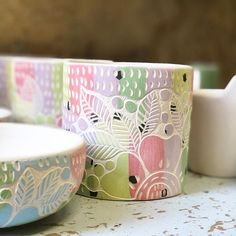 Sgraffito, Ceramic Pottery, Carving, Clay, Shapes, Mugs, Drawings, Tableware, Projects