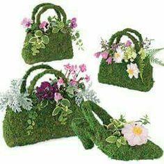 Beaumont Moss Basket, Mossy Purse, Handbag Planter for decor in the garden Deco Floral, Arte Floral, Floral Design, Fresh Flowers, Beautiful Flowers, Cut Flowers, Mosses Basket, Floral Bags, Funeral Flowers