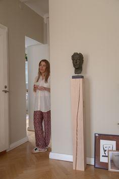 Sisustusstailisti Pinja Forsmanin koti on ihana yhdistelmä design-klassikoita ja kirpparilöytöjä. Koti, Harem Pants, Interior, Album, Design, Fashion, Moda, Harem Trousers, Indoor