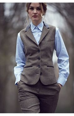 Can A Girl Get A Waistcoat, Please? Can a girl get a waistcoat, please? Not enough of these around tweed waistcoat woman - Woman Waistcoats Tomboy Fashion, Fashion Outfits, Woman Outfits, Gilet Costume, Tweed Waistcoat, Tweed Suits, Suits For Women, Clothes For Women, Dandy Style