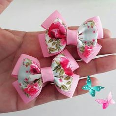 In double face satin Easy Hair Bows, Toddler Hair Bows, Ribbon Hair Bows, Making Hair Bows, Diy Ribbon, Girl Hair Bows, Homemade Hair Bows, Hair Bow Tutorial, Creation Couture