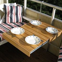 genius pull-out hanging balcony table: the Flexitable balcony table by oljad ek - Dnice