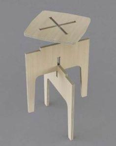 Les éléments ce superposent et s\'assemblent grâce à des encoches correspondant à l\'accumulation des formes.