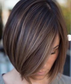 Sleek Ash Brown Balayage Bob Chic box style with baby lights in a delicate ash brown or a bolder cinnamon hair color. Brown Hair With Lowlights, Brown To Blonde Balayage, Brown Hair With Highlights, Brown Hair Colors, Color Highlights, Balayage Straight, Brunette Highlights Lowlights, Straight Hair Bob, Balayage Hair Brunette Straight