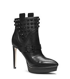 7732bc46f2e Fashionable Shoe Shopping. There are so many styles and colors of ladies  footwear