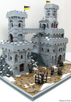 #LEGO Castle  Really nice details on baseplate and castle.