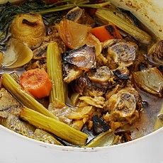 A picture of Delia's Brown Beef Stock recipe Beef Stock Recipes, Paleo Recipes, Soup Recipes, Steak And Kidney Pie, Roasting Tins, Hot Pot, French Onion, Spice Blends, Healthy Fruits