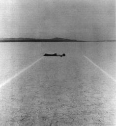 "Walter de Maria, ""Mile Long Drawing"",1968."
