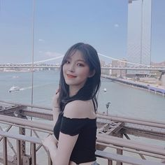 fromis_9 [프로미스나인] (@officialfromis_9) • Fotos e vídeos do Instagram Kpop Girl Groups, Korean Girl Groups, Kpop Girls, Cute Girls, Cool Girl, Matching Profile Pictures, Grunge Girl, Cute Korean, Power Girl