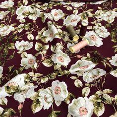 Dressmaking Fabric, Dressmaker, Crepe Fabric, Fabric Shop, Rose Design, Crepes, White Roses, Waiting, Trousers