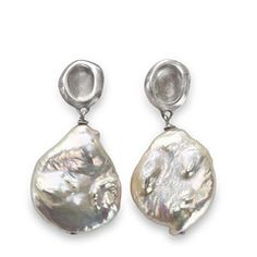 Julie Cohn Design: Sterling Pebble with White Coin Pearl.