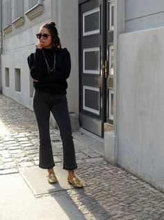 Black & Golden | fashionboho.com Summer Time, Personal Style, Capri Pants, Sweaters, Jackets, How To Wear, Black, Fashion, Down Jackets