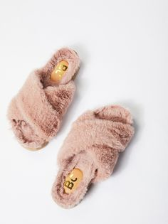 Put your fashionable foot forward with Free People shoes that are perfect for every occasion. Shop Free People shoes online and stay on trend year-round. Walk This Way, Me Too Shoes, Women's Shoes, Free People, Girly, Chill, Fancy, My Style, Faux Fur